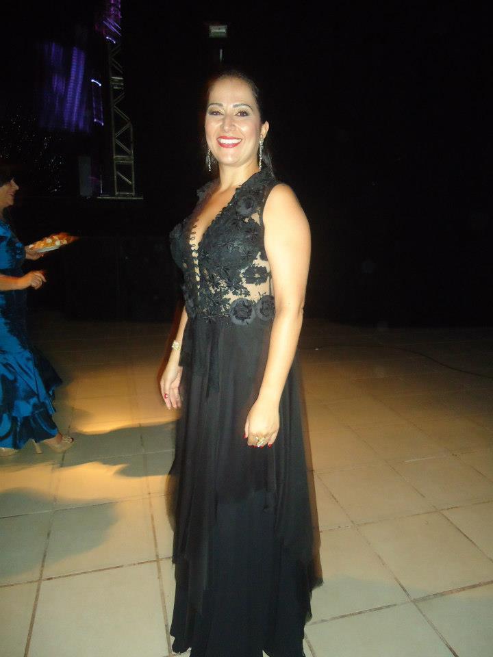 Vestido de festa preto de renda
